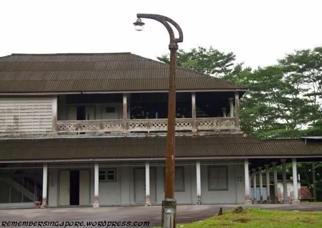 tanglin-camp-lamp-post